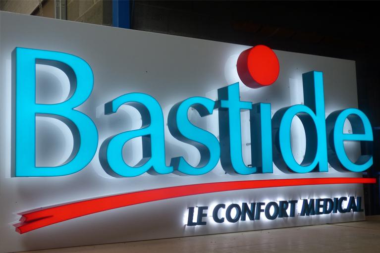 Lettre s découpées lumineuse Bastide