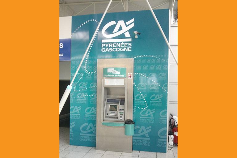 Caisson bancaire pour distributeur automatique Crédit Agricole
