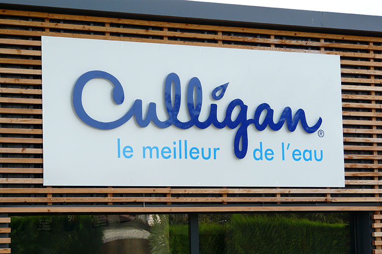 Lettres découpées Culligan