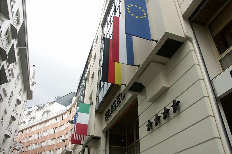 Drapeau d'extérieur pour hôtel - Eliseo